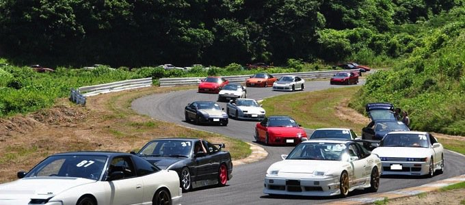 GTカー、チューニングカーのイメージ
